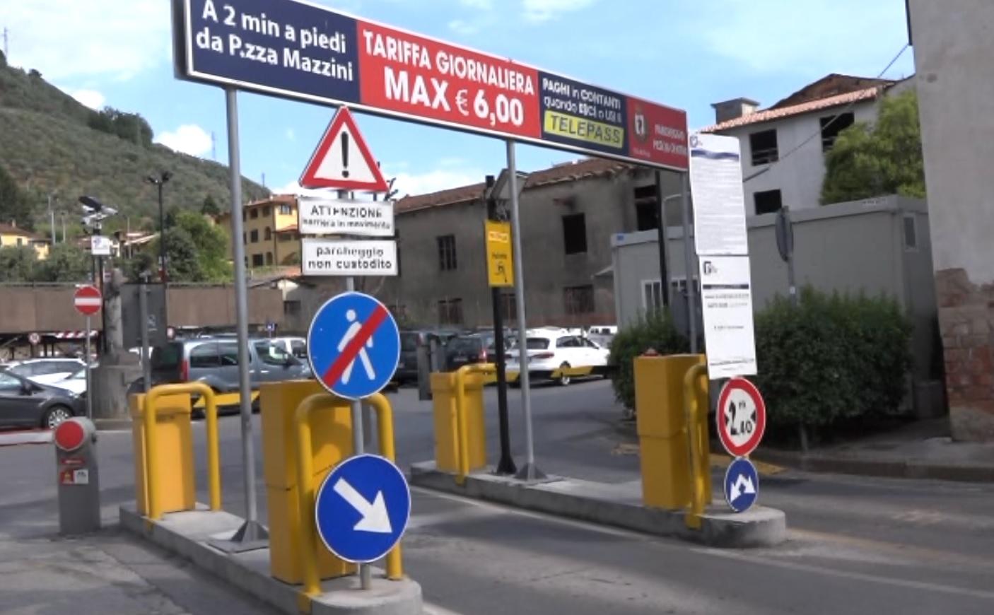 Pescia: bloccato nel parcheggio dell'ospedale