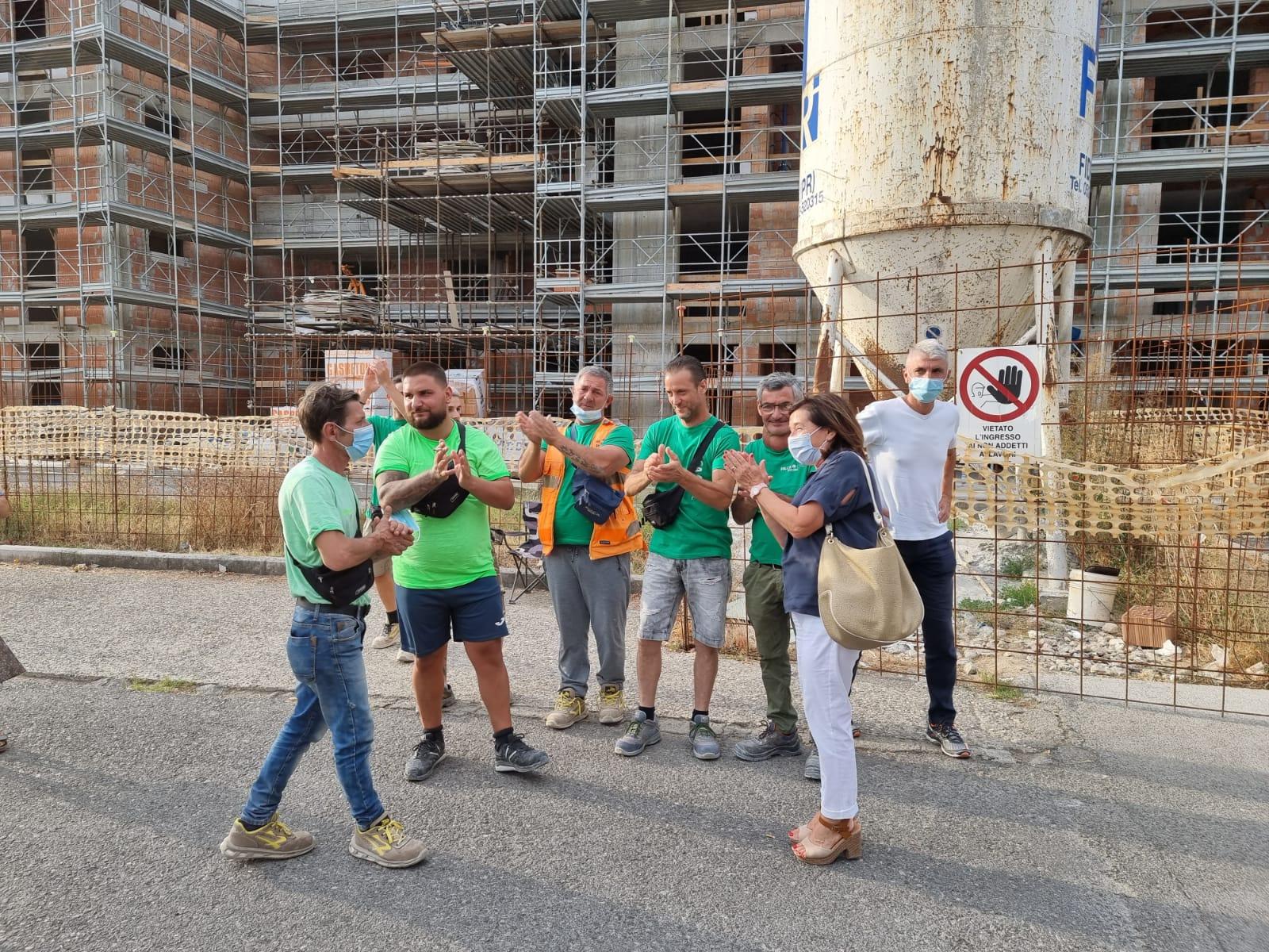 Pistoia: gli operai lasciano il cantiere di via Stelvio