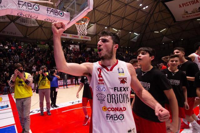 Basket, Pistoia: il capitano Della Rosa resta in biancorosso